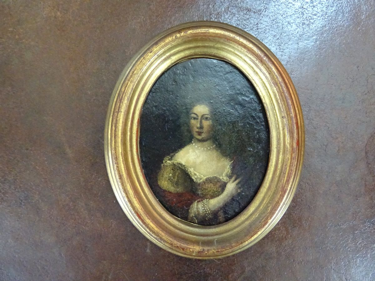 18th century miniature oil of a woman