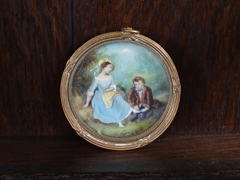 Pair 19th Century Miniatures Paintings on Ivory
