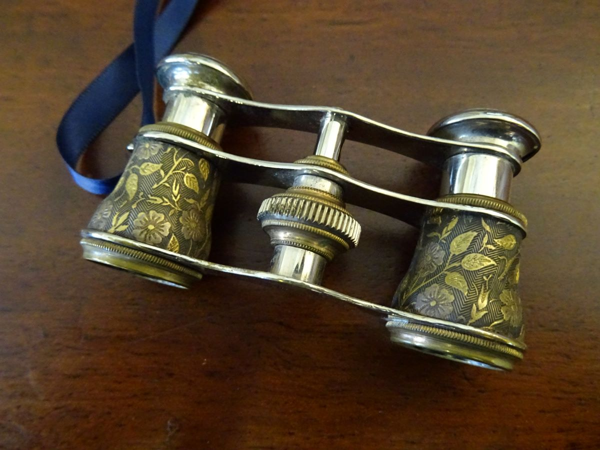 Pair of 19th century opera glasses