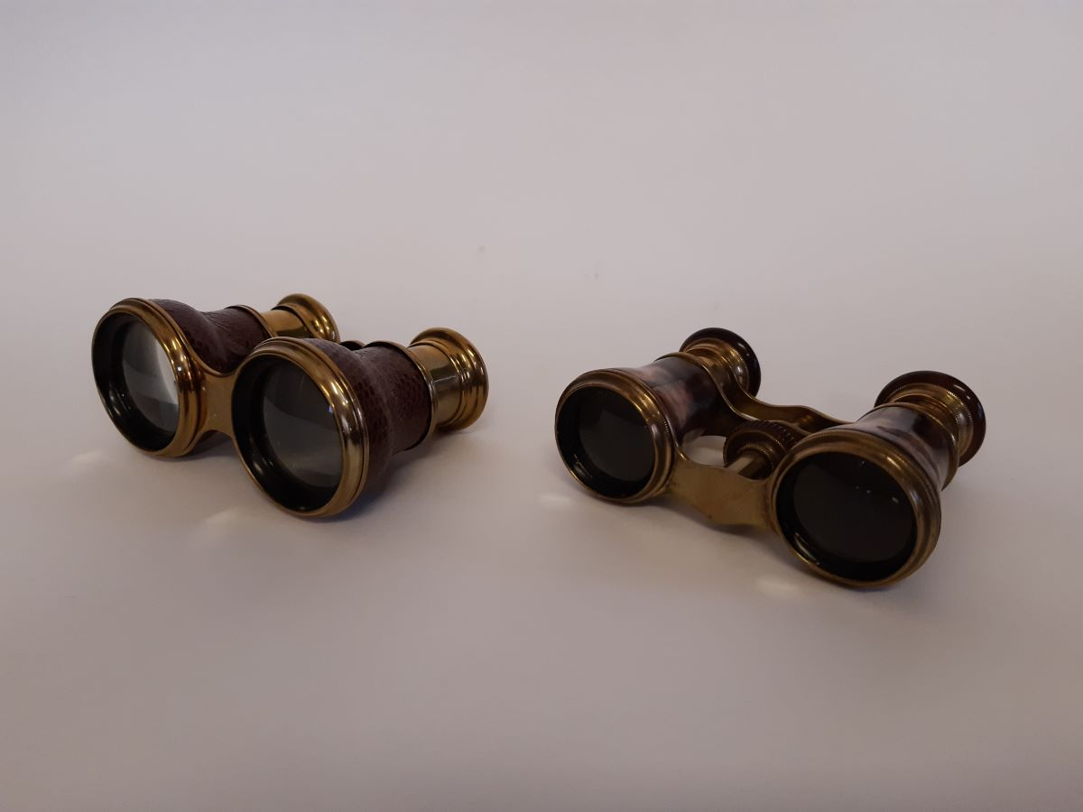 French opera glasses