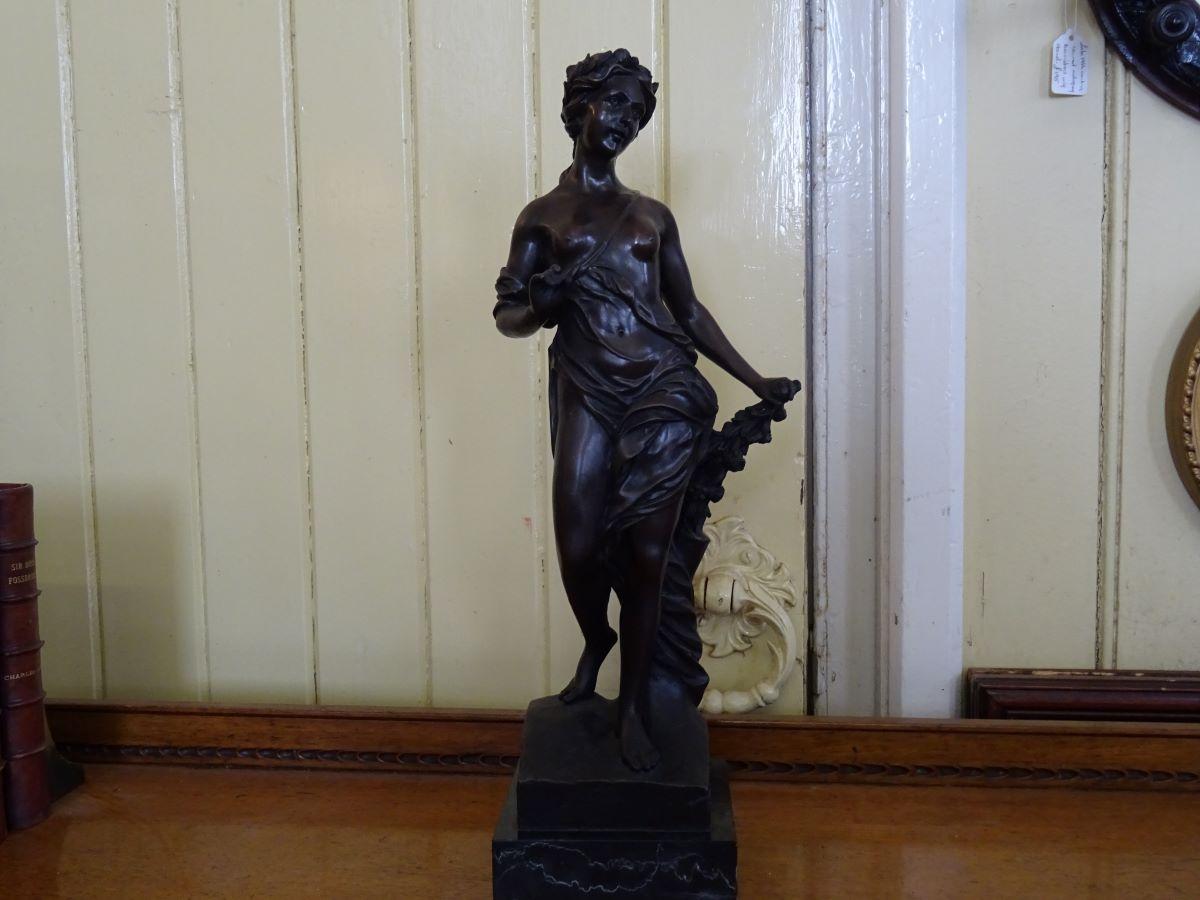 Bronze figure of Classical woman