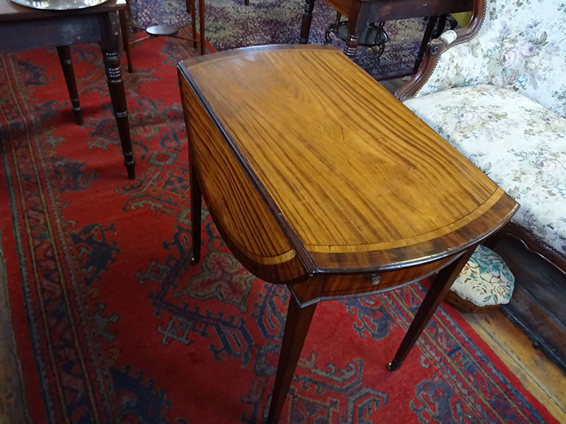Sheraton period mahogany Pembroke table